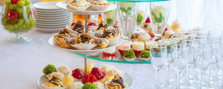 buffet-ou-apero-dinatoire-les-quantites-a-prevoir-selon-le-nombre-d-invites